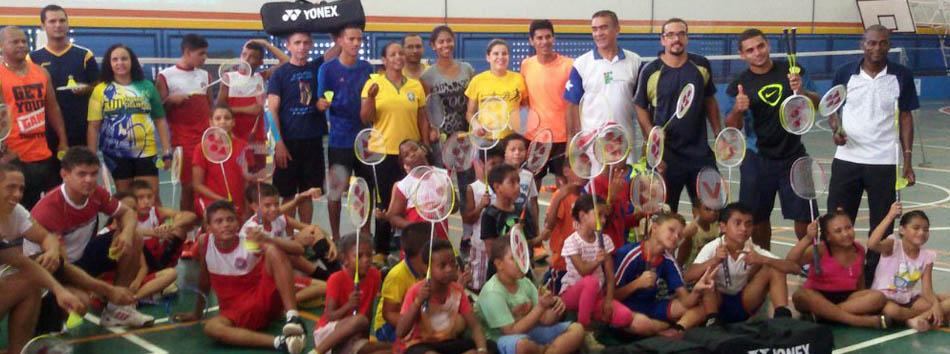 Em S�o Luis (MA), projeto Shuttle Time Brasil leva conhecimento e faz doa��o de kits de badminton