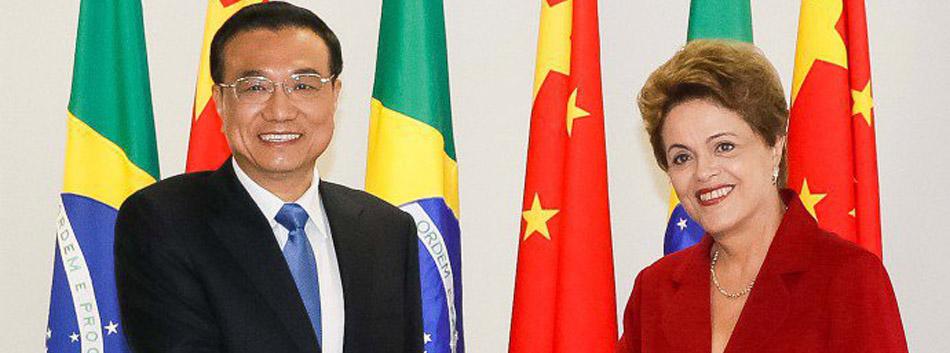 Brasil e China assinam memorando internacional que beneficia atletas do badminton